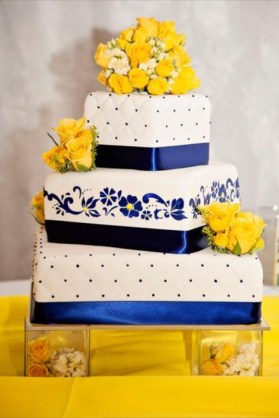 blue and yellow wedding cake ideas blue and yellow wedding cake wedding cakes 11969